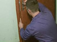 Как утеплить дверь