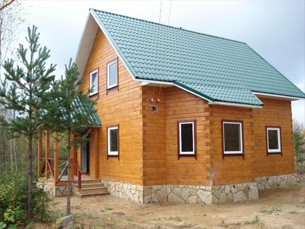 готовый загородный деревянный дом с пластиковыми окнами