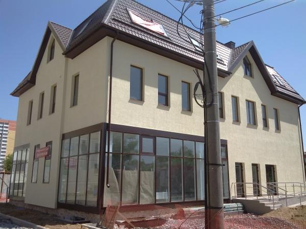 Двухэтажный дом - внешняя отделка фасада