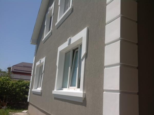 Серый оттенок фасада частного дома