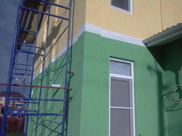 Зеленый цвет для отделки фасада здания