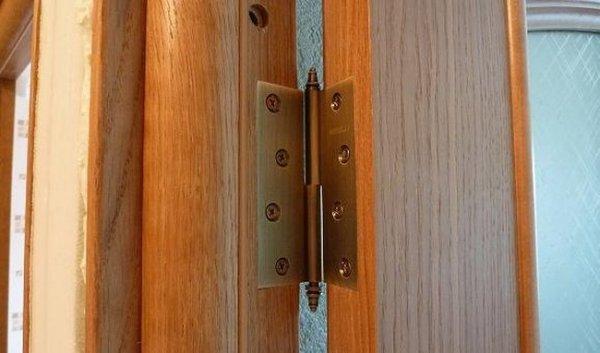 Как сделать ремонт межкомнатных дверей своими руками