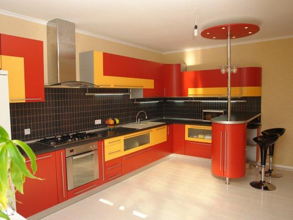 Надоела старая мебель на кухне? Полезные советы