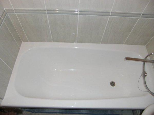 Как установить акриловую вставку в ванну?