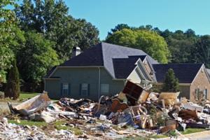 Вывоз мусора – проблема века!