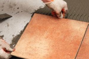Этапы укладки керамической плитки на пол