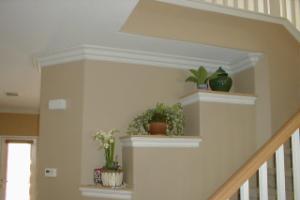 Потолочный плинтус в отделке квартиры или коттеджа