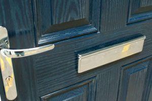 Выбор входной двери для коттеджа или таунхауса