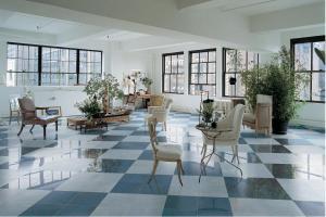 Керамогранитные плитки как основа интерьерного решения и полезная деталь интерьера