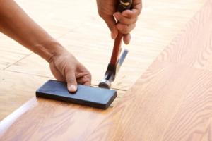 Как правильно уложить ламинат дома?