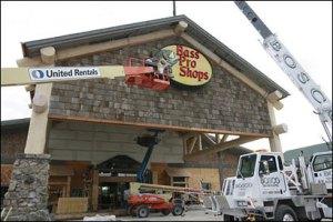 Как рекламировать строительный магазин с помощью наружной рекламе