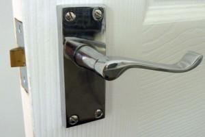 Дверные ручки для межкомнатных дверей – выбираем правильно