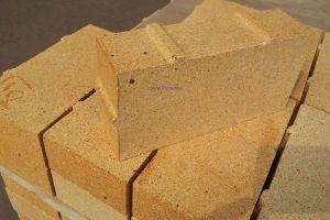 Чем хороша глина в качестве строительного материала?
