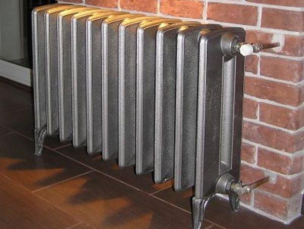 Чугунные радиаторы отопления: какие лучше для квартиры?