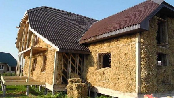 Как построить дом из соломы и глины?