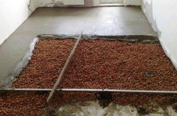 Как утеплить пол керамзитом в каменном доме?