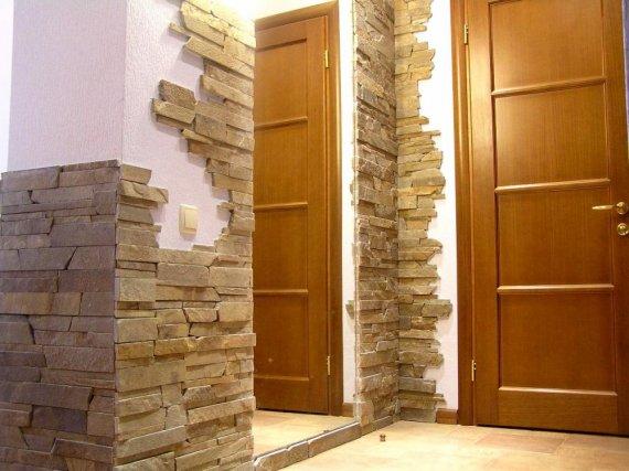 Отделка стен камнем
