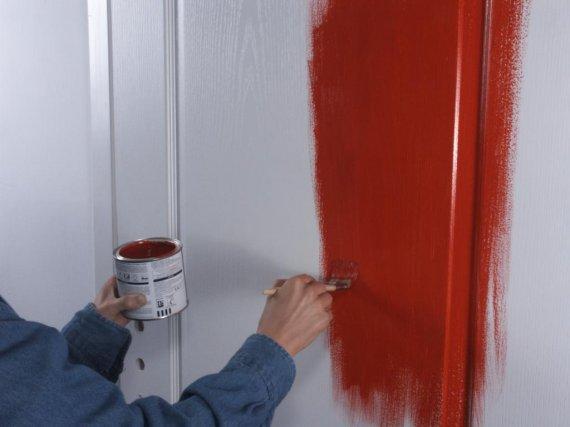 Как покрасить межкомнатные двери?