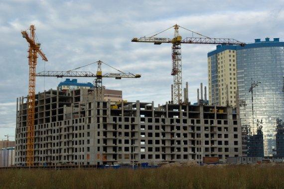Какие темпы строительства жилья в Санкт-Петербурге и области?