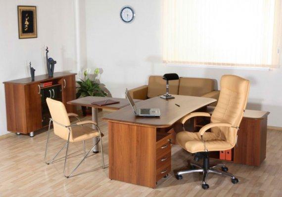 Стол для успешного руководителя