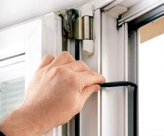 Когда нужно менять уплотнитель на окнах?