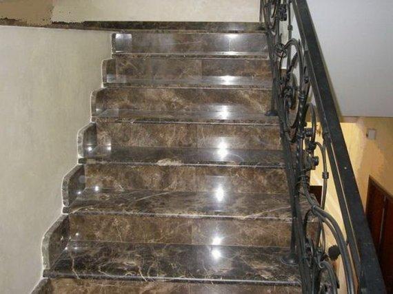 Как выбрать керамогранит на ступени лестниц?
