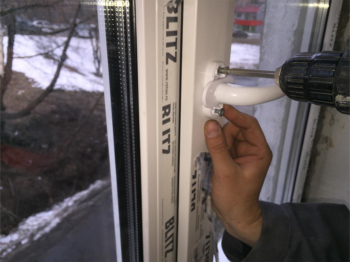 Как установить отлив на пластиковое окно своими руками видео
