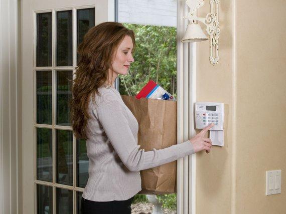 Охранная сигнализация в квартиру: преимущества